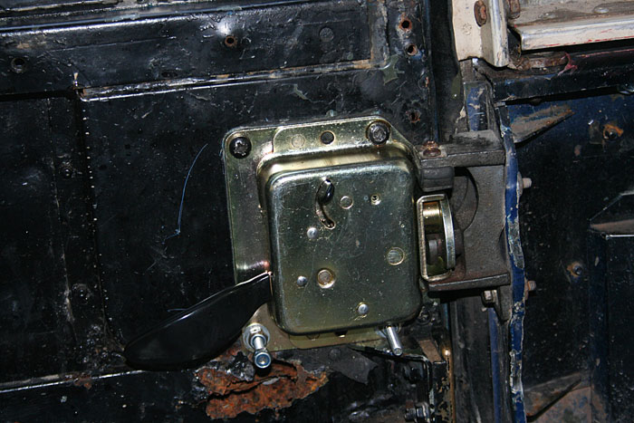 service manual replace door lock actulator 1994 land. Black Bedroom Furniture Sets. Home Design Ideas