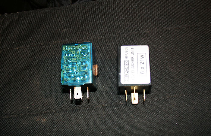 Old indicator relay (left) and the new one (right)